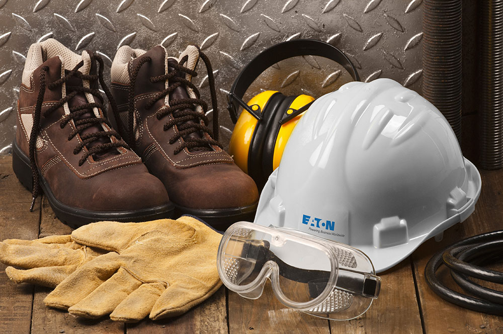 photo retouching of an Eaton hard hat color change before and after image